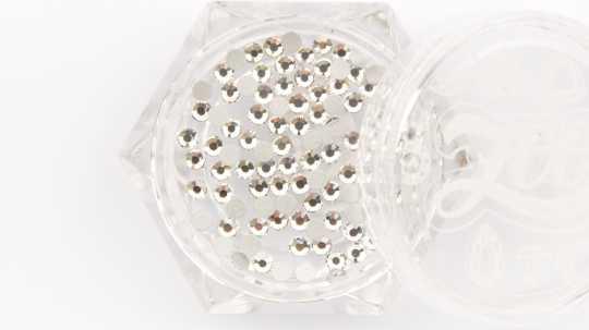Стразы стеклянные прозрачные SS6 (2 мм) 100 шт 1082 Zoo Nail Art